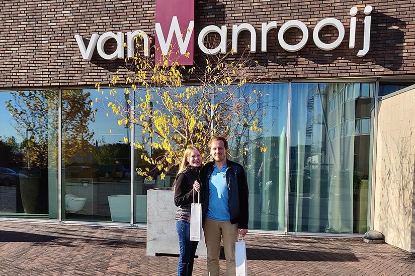 Tekenen voor nieuwe keuken en badkamer woning bij Van Wanrooij - huis gekocht!